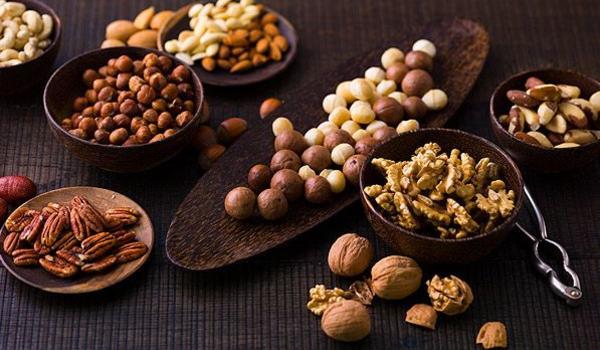 Nüsse und Früchte gehören zur orientalischen Küche, wie Salz in die Suppe.