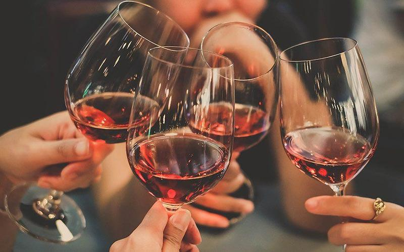 Orientalische Weine und Spirituosen